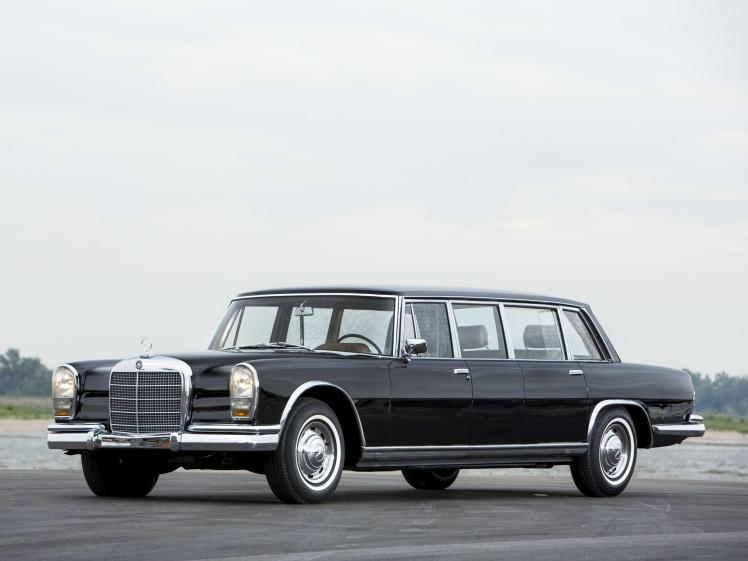 mercedes-benz_600_4-door_pullman_limousine_1