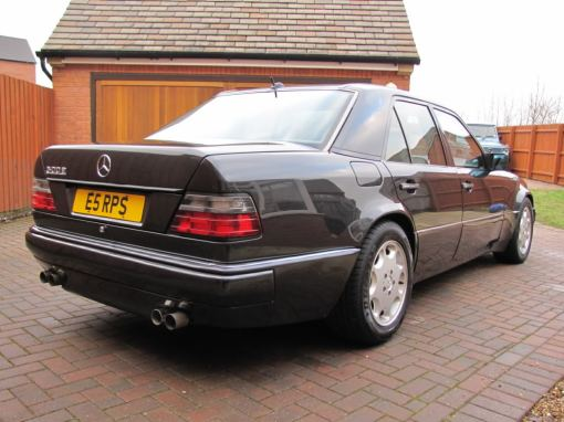 Mercedes Benz 500E (rear angle)