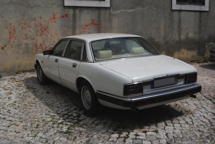 1991 Jaguar XJ Sovereign (Rear)