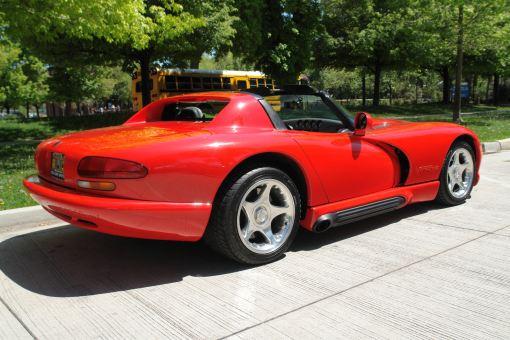 1994 Dodge Viper R/T 10 (rear)