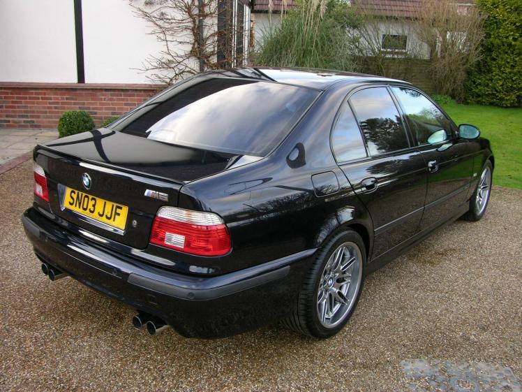 2000 BMW M5 (E39) rear