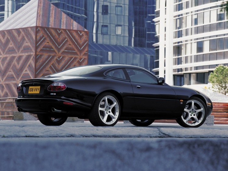 Jaguar XKR (rear)