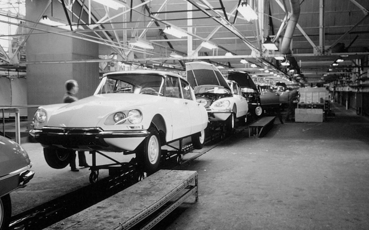 Citroen DS assembly line