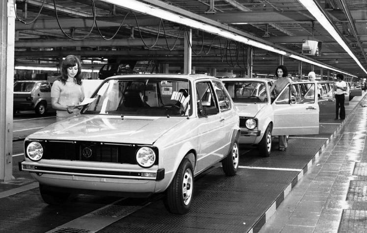 Volkswagen Golf Assembly line