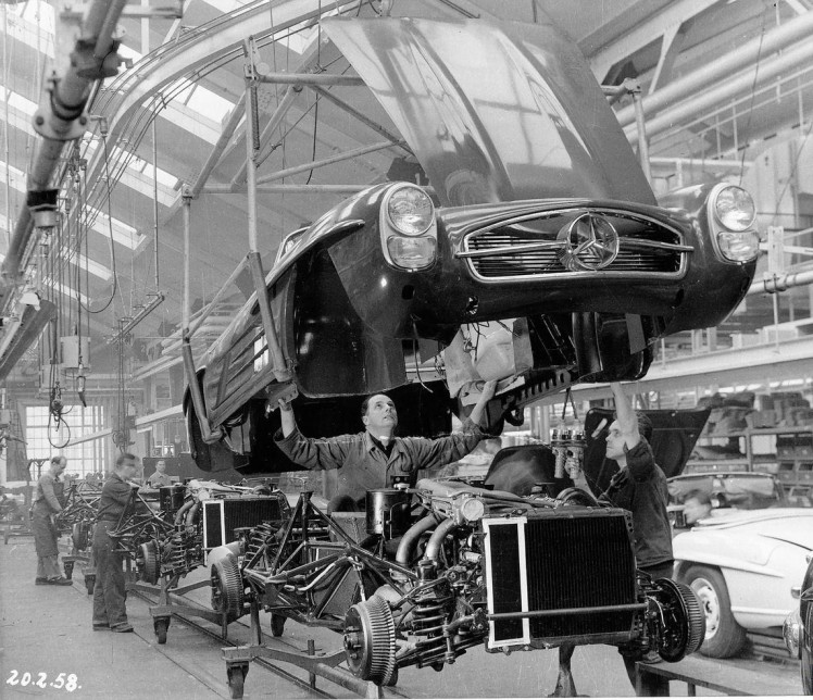 Mercedes Benz 300SL assembly line