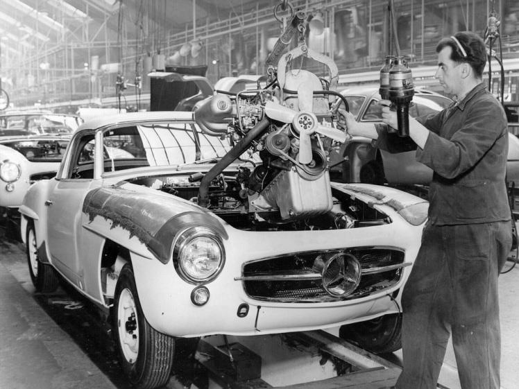 Mercedes Benz 190SL assembly line
