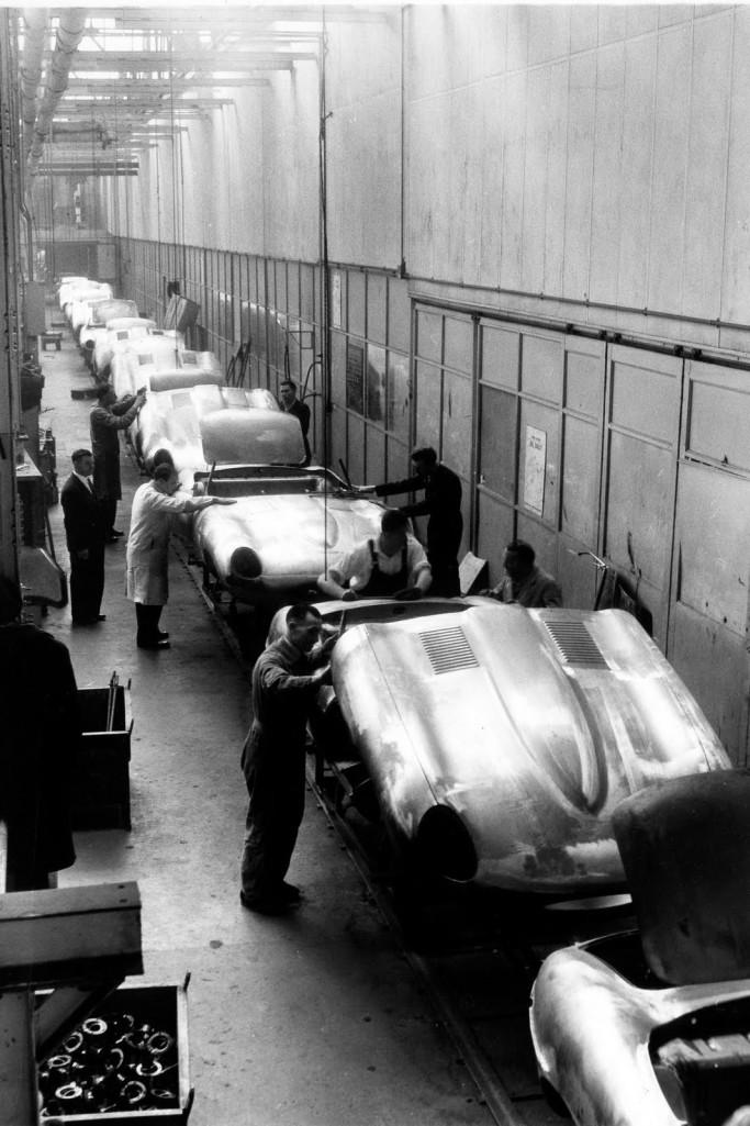 Jahuar E-Type assembly line
