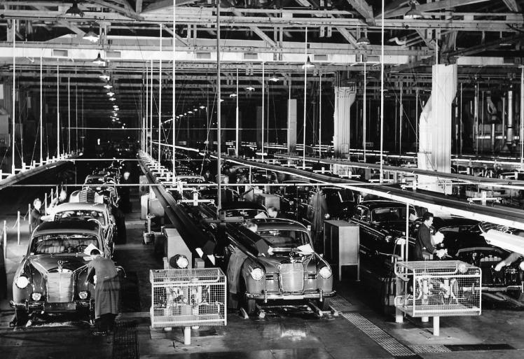 Mercedes Benz ponton assembly line
