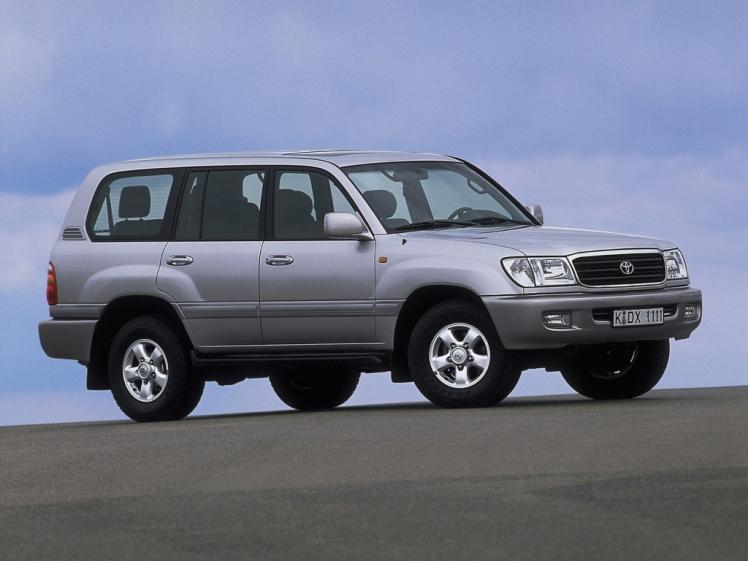 Toyota Land Cruiser FJ100