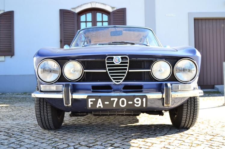 Alfa Romeo 1750 (front)