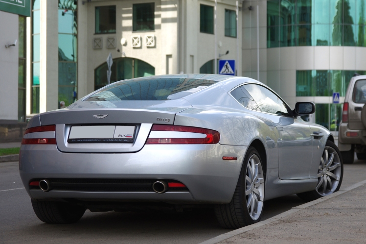 Aston Martin DB9 (rear)