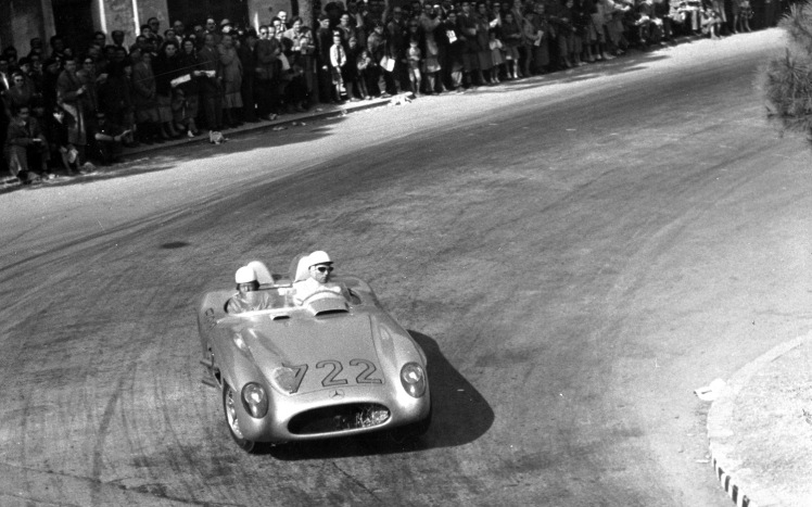 stirling-moss-and-denis-jenkinson-mercedes-benz-300-slr-in-1955-mille-miglia-overhead