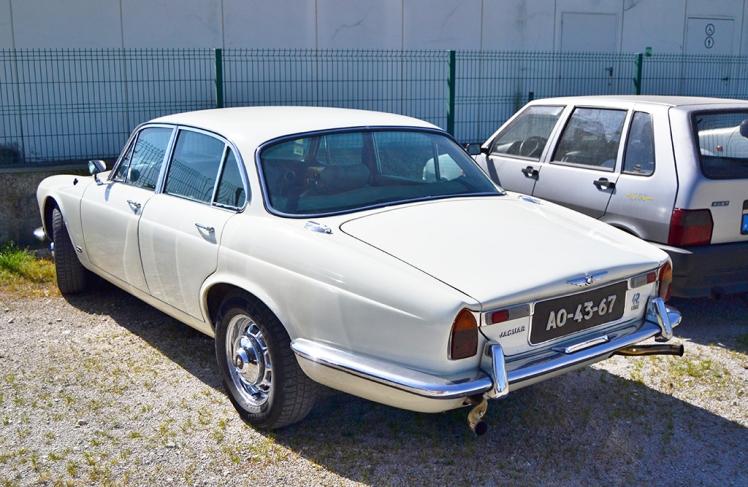 Jaguar XJ 4.2 (Rear)