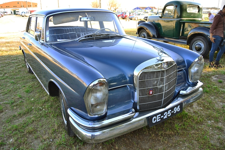 Mercedes Benz 220 Fintail - Heckflosse