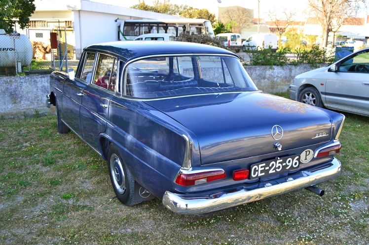 Mercedes Benz 220 Fintail - Heckflosse (Rear)