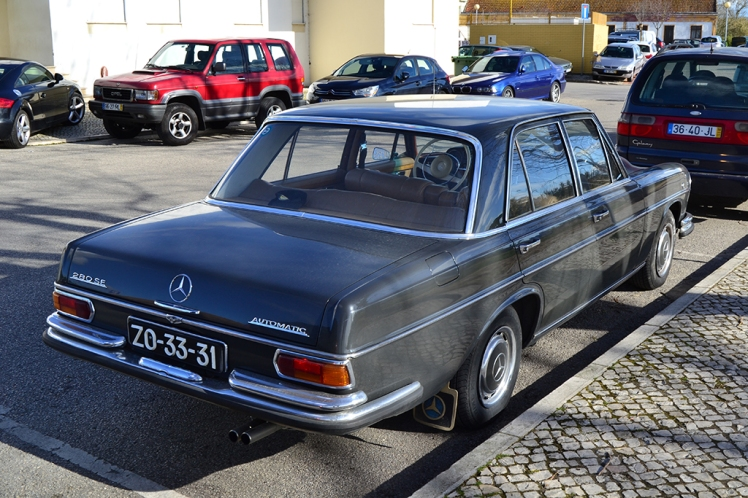 Mercedes Benz 280 SE (Rear)