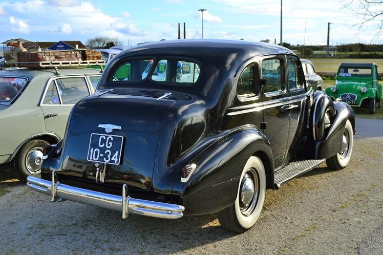 1938 Buick (Rear)