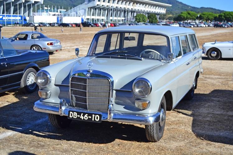 Mercedes Benz 200 Heckflosse wagon