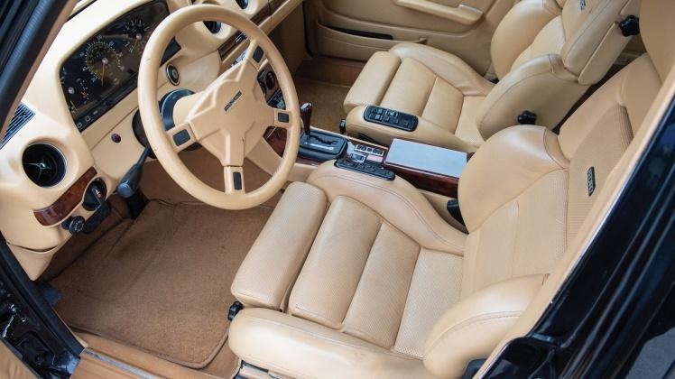 Mercedes Benz S123 500TE AMG