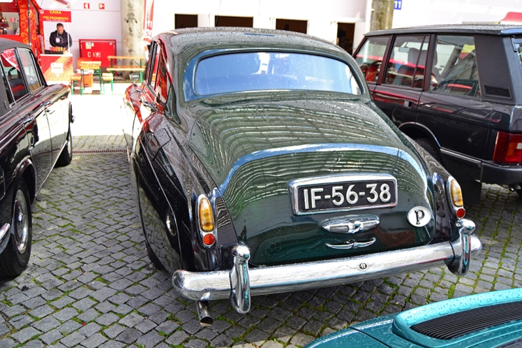 Bentley S1 (rear)