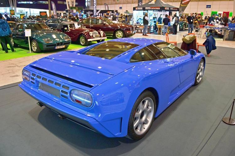 Bugatti EB110 (rear)