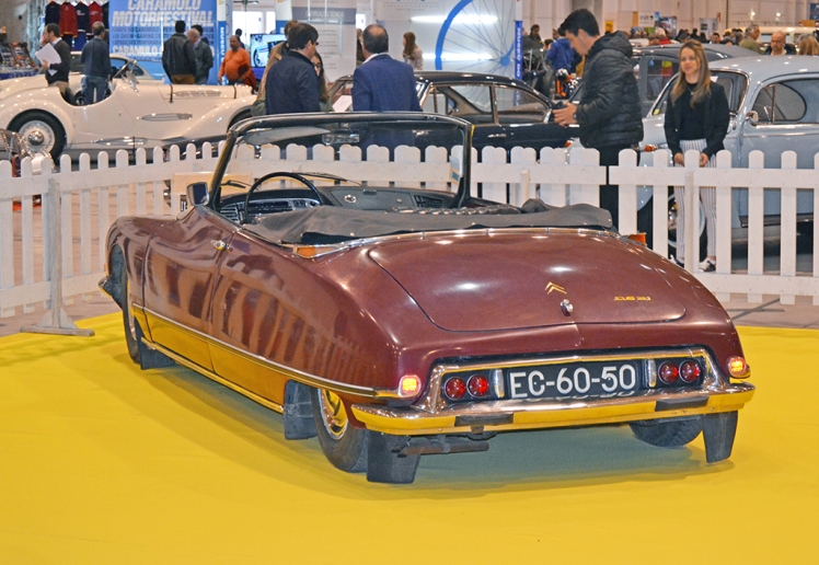 Citroen DS Chapron (rear)