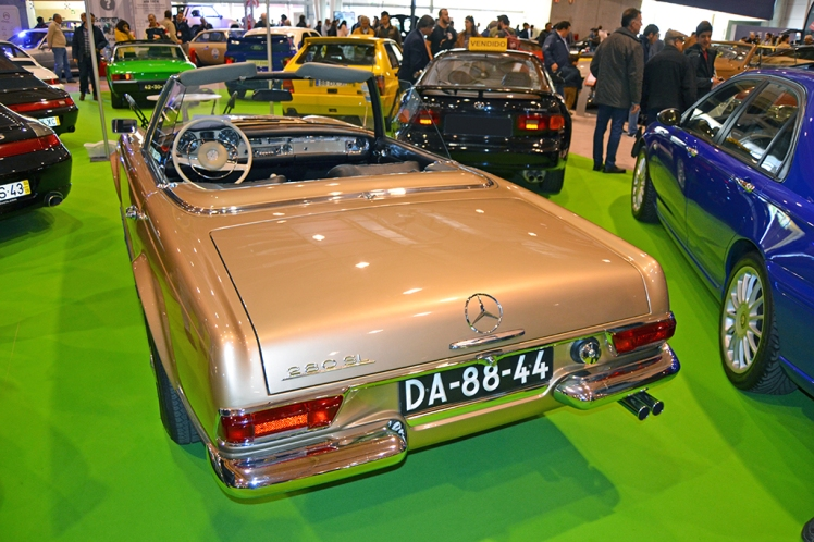 Mercedes 280SL (rear)
