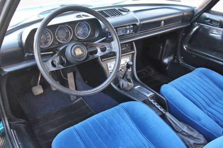 Peugeot 504 Coupe (dashboard)