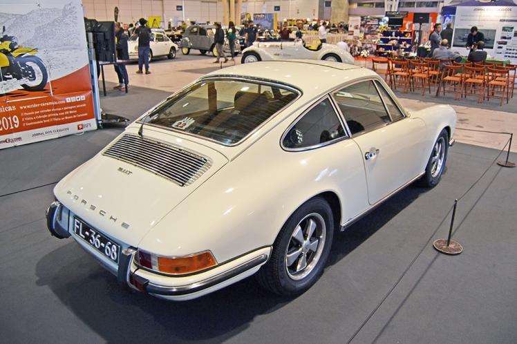 Porsche 911T 2.2 (rear)