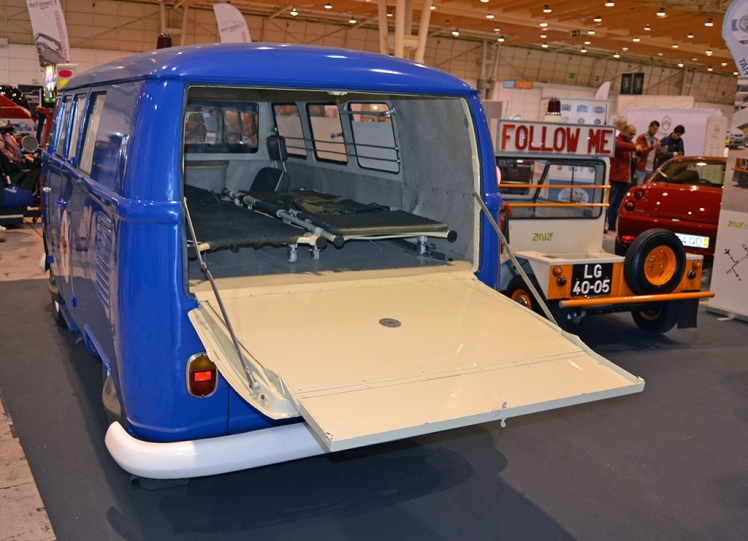 Volkswagen T1 Ambulance (rear)