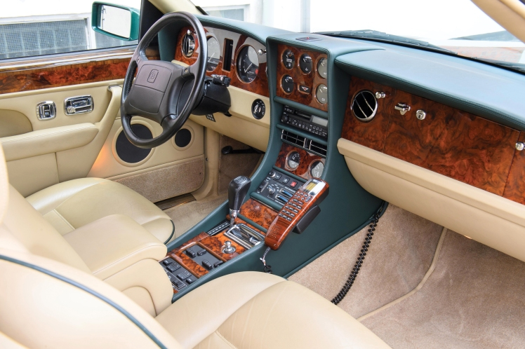 1991 Bentley Continental R (interior)