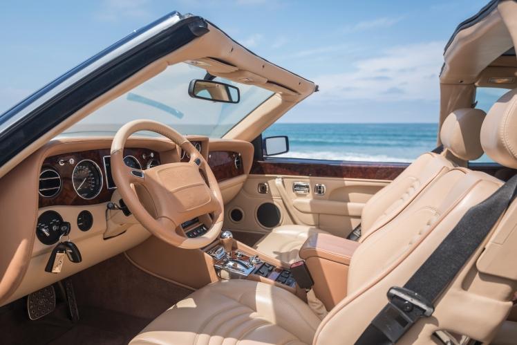 1999 Bentley Continental SC (blue) dashboard