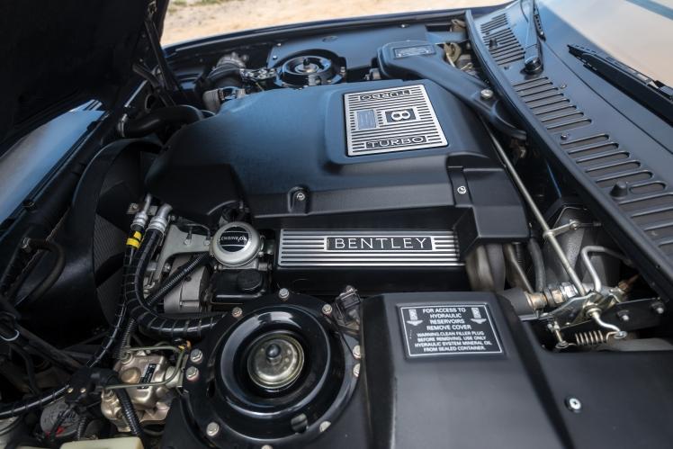 1999 Bentley Continental SC (blue) engine
