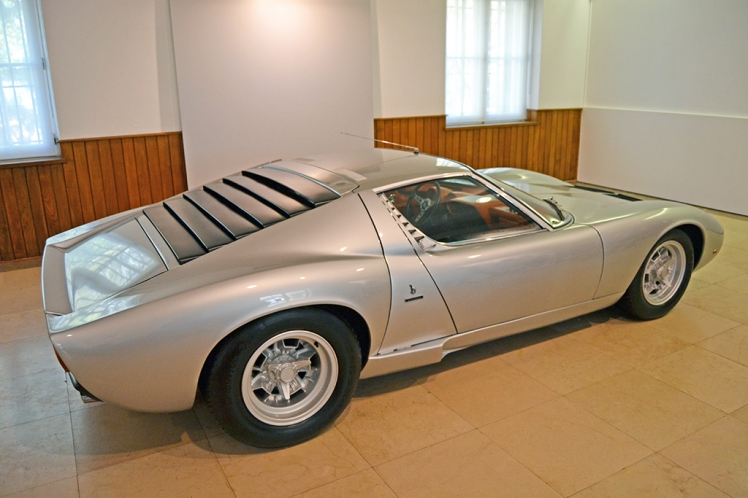 Lamborghini Miura SV (3)