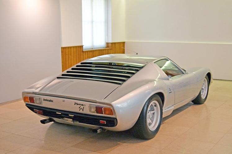 Lamborghini Miura SV (5)