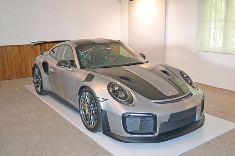 Porsche GT2RS (1)