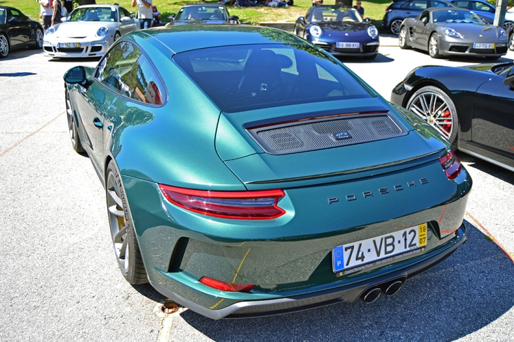 Porsche GT3 Touring Pack (2)