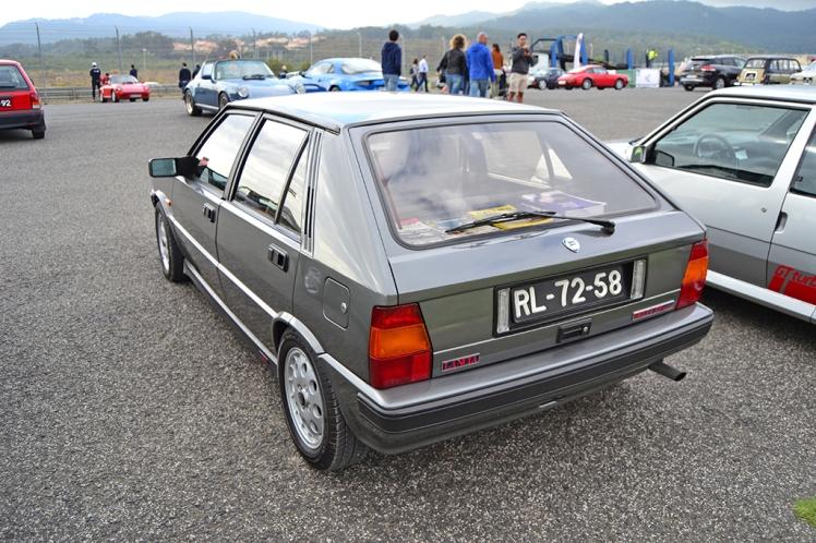Lancia Delta HF Turbo (2)