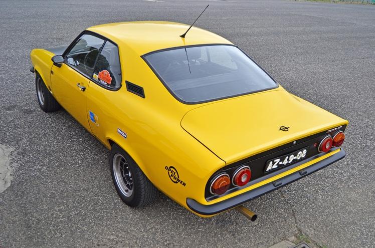Opel Manta 1.9 SR (2)