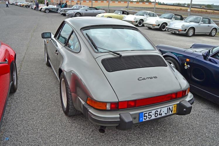 Porsche 911 Carrera (2)